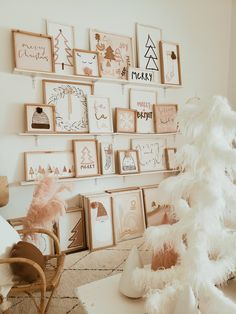 Love + Grey home decor Christmas Time Is Here, Christmas Mood, Noel Christmas, Christmas Crafts, Christmas Ideas, Pink Christmas Decorations, Holiday Decor, Bohemian Christmas, Festival Looks