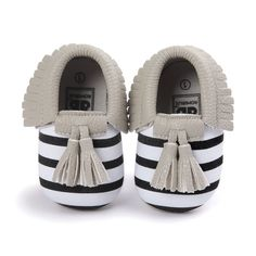 Baby Moccasins Shoes Kids Soft PU Leather Tassel Girls Bow Moccs Moccasin  Bow First Walkers. 62aaa13be8d6