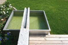kleiner Garten mit Wasserbecken