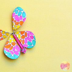 DIY-craft template-butterfly-with-rubber-band-drive-to-do-it-yourself Make your own butterfly with rubber band drive. It's easy with my technique. Diy Furniture Videos, Make Your Own, Make It Yourself, Toy Organization, Crochet Bunny, Rubber Bands, Embroidery Thread, Diy Kits, Blog