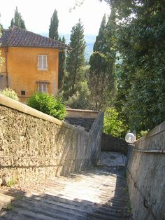 Lovely scene in Fiesole. Florence, Life Is Beautiful, Beautiful Places, Reggio, Lucca, Roman Empire, Siena, Sicily, Dream Vacations