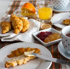 #kamzakrasou #spagetti #photography #pie #vegetables #lunch #homesweethome #delicious #healthykitchen #healthyfood #vegansofig #whatveganseat #foodblog #foodlover #dnesjem #instaslovakia #instafoood #vegansk #vita #vitamins #vitarian #instalike #instafoood #instagood #love #loveit #followme #follow4follow #followforfollow #followback Zdravé recepy: Lahodné maslové croissanty bez lepku - KAMzaKRÁSOU.sk