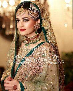 New Wedding Dresses Pakistani Jewellery Ideas - New Wedding Dresses Pakistani Jewellery Ideas Source by schmidtmargot - Pakistani Bridal Makeup, Bridal Mehndi Dresses, Pakistani Wedding Outfits, Bridal Dress Design, New Wedding Dresses, Bridal Outfits, Pakistani Dresses, Indian Bridal, Bridesmaid Dresses