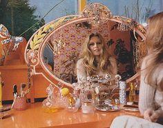 hippy room 628041110507860697 - Miss Brigitte Bardot Source by charlesedouarddlb Brigitte Bardot, Bridget Bardot, Afrique Art, Look Dark, Vintage Fashion, Vintage Outfits, 1960s Fashion, Women's Fashion, Style Deco