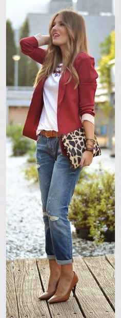 This outfit is so pretty!for a date,to go out with the girls,for school.so tasteful.