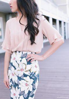 Spring work style: soft peach, navy   floral print