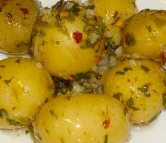 Image - Potatoes for Appetizer Vegetarian Recipes, Cooking Recipes, Salty Foods, Portuguese Recipes, Love Food, Food Porn, Food And Drink, Favorite Recipes, Yummy Food