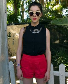 annie clark / st. vincent sporting some alien shades