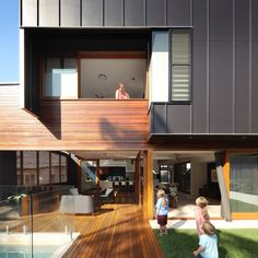 Brisbane Architects - Lockyer Architects sustainable, memorable award winning architecture and design. House Cladding, Exterior Cladding, Facade House, House Facades, Interior Exterior, Exterior Design, Modern Interior, Residential Architecture, Interior Architecture