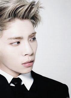 Kim Jong Hyun 김종현 || SHINee member of eternity! || * 1990 April 8, 1990, † 2017 December 18