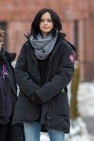 Kristen Ritter seems to be cold on A.K.A. Jessica Jones' set