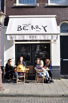 Café Berry Amsterdam coffee guide co working space