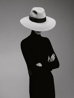 Borsalino F/W (Borsalino) Hollywood, 1920s Mens Hats, 1987 Fashion, British Fashion, Fashion Photography Inspiration, Beauty Shots, Cool Hats, Photo Black, Black N White