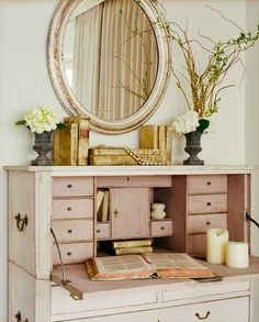 Darling secretary desk!