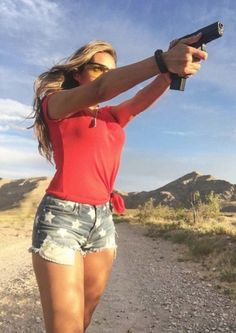 mm girls guns 12 11 17 600 92 Kiss my trigger discipline good bye (64 Photos)