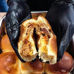 Pulled pork #pulledpork #pulledporkbun #pulledporksandwich #pork Pulled Pork, Cheesesteak, I Foods, Ethnic Recipes, Shredded Pork, Braised Pork