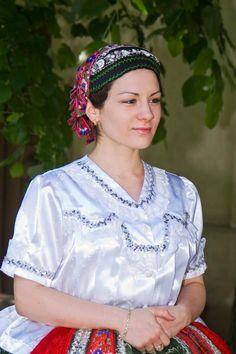 Sárközi Népviselet - Dunántúl Folk Costume, Costumes, Hungary, Romania, Ukraine, Little Girls, Ruffle Blouse, Traditional, Women