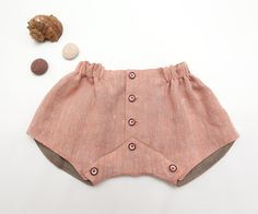 Modern baby diaper cover in coral pink linen Retro look shorts. One of a kind item, Size 6-18 month (EU72).