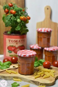Super aromatische Tomatensoße aus dem Backofen. Einfach gemacht, herrlich im Geschmack ♥