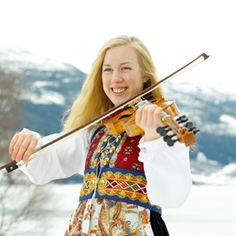 Magasin for Bunad og Folkedrakt Natural Blondes, Going Out Of Business, Traditional Outfits, Costumes, Folk Costume, Norway, Scandinavian, Bergen, Classical Music