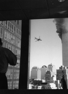 If a picture paints a thousand words... this sure does, 9/11, i haven't seen this before, have you?