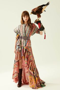 Etro Resort 2020 collection, runway looks, beauty, models, and reviews.