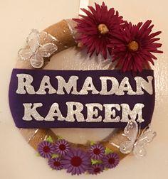 Decoraciones Ramadan, Hijab Dpz, Ramadan Recipes, Ramadan Decorations, Islamic Quotes, Muslim, Ice Cream, Wreaths, Christmas Ornaments