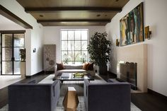 This Los Angeles House by Finley Grace Design Manages to Be Both Old-World and Totally Modern Photos | Architectural Digest