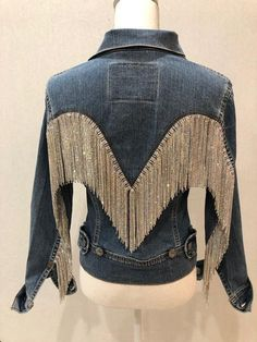 """(There is a video of this jacket under the """"About"""" section for the shop.) This gorgeous jacket started with an iconic Levi vintage jacket, please note the flattering cut and the unusual back, as opposed to the typical trucker style. All my jackets go thro Mode Chic, Mode Style, Look Patches, Denim Fashion, Fashion Outfits, Fringe Fashion, Fashion 2018, Womens Fashion, Vintage Levis Jacket"""