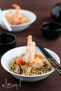 Almond Corner: Prawns with shiitake mushroom and noodles