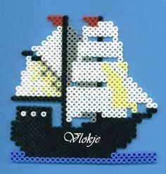 ship hama beads by Vlokje