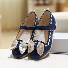 c8b1d65f913ad Kids Girls Princess Bow Party Shoes Children Infant PU Comfortable Flower  Flats Sandals Shoe Cute Hook Loop New Spring Fashion