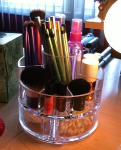 Ideas for makeup storage and organization.