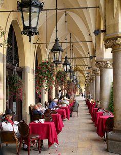 Elegant cafe in Sukiennice at Rynek Główny, Krakow, Poland (by Keith Allso).