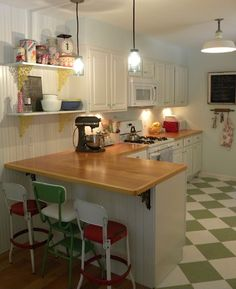 kitchen transformation from blissful blooms! 50s Kitchen, Vintage Kitchen, Kitchen Dining, Kitchen Decor, Kitchen Ideas, Banquette Design, Strawberry Kitchen, Breakfast Bar Kitchen, Kitchen Family Rooms