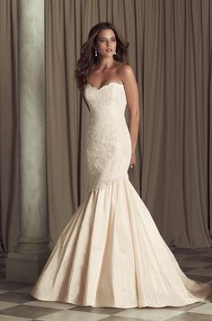 Paloma Blanca - Sweetheart Mermaid Gown in Lace