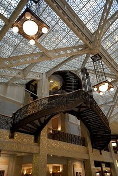 Chpt 21: Chicago School: The Rookery Building 1885-1888; Chicago Illinois; Daniel Burnham and John Root with Frank Lloyd Wright as lobby renovator in 1905
