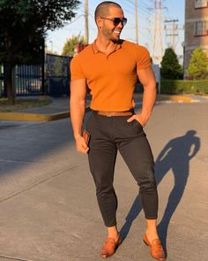 """Hi, here are some """"Supercool Casual Outfits for Men."""" These casual outfits would give a fully idea of how to dress casually. Polo Shirt Outfits, Suit Fashion, Fashion Menswear, Style Fashion, Fashion Styles, Boho Fashion, Fashion Trends, Fashion Tips, Casual Wear For Men"""