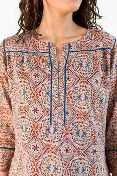 Neck Designs to Try with Plain Kurtis - Indian Fashion Ideas Sleeves Designs For Dresses, Neck Designs For Suits, Neckline Designs, Dress Neck Designs, Churidar Designs, Kurta Designs Women, Plain Kurti Designs, Short Kurti Designs, Designer Kurtis