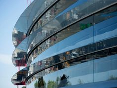 New Apple Campus 2 tour highlights 'breathing' concrete glass panels power tech & Apple Campus 2, Apple Office, Urban Concept, Construction Safety, Foster Partners, Norman Foster, Apple New, Curved Glass, North Carolina