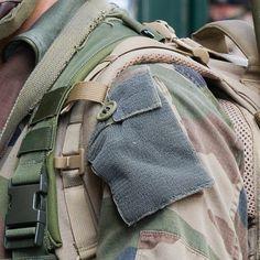 Ce #Puzzle (5/9) clos le reportage photo de l'exercice #Ardennes2016.  L'entraînement organisé par le 3e régiment du génie (#3eRG) au cœur de la ville de Charleville-Mézières tenu du 26 au 29 avril est une étape de leur préparation opérationnelle en vue de ses prochains engagements. L' #entrainement en zone urbaine a permit aux #sapeurs de travailler leurs savoir-faire spécifiques avec mise en œuvre d'un moyen léger de franchissement (MLF) des fouilles opérationnelles un contrôle de foule…