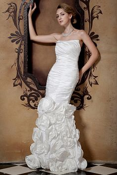 Best Wedding Dresses Shop offers Ruched Wedding Dress with Hand Made Flowers Mermaid Skirt price under mermaid/trumpet white color,floor length taffeta side zipper back train for garden / outdoor hall . Mermaid Trumpet Wedding Dresses, Ruched Wedding Dress, Summer Wedding Gowns, Garden Wedding Dresses, Elegant Wedding Gowns, Sexy Wedding Dresses, Cheap Wedding Dress, Designer Wedding Dresses, Bridesmaid Dresses