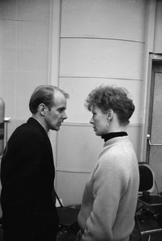 Director Bob Fosse and Gwen Verdon, Donald O'connor, Bob Fosse, Dance Movies, Fred And Ginger, Gene Kelly, Broken Leg, Musical Theatre, Redheads, Candid