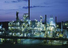 Oljeraffinaderi - Oil refinery in Gothenburg, Sweden