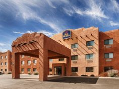 Bloomfield (NM) Best Western Territorial Inn and Suites United States, North America The 3-star Best Western Territorial Inn and Suites offers comfort and convenience whether you're on business or holiday in Bloomfield (NM). The hotel offers guests a range of services and amenities designed to provide comfort and convenience. Facilities like facilities for disabled guests, valet parking, car park, meeting facilities, business center are readily available for you to enjoy. All ...