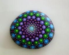 mandala stones-bohemian dot art-rainbow-painted por RockArtiste