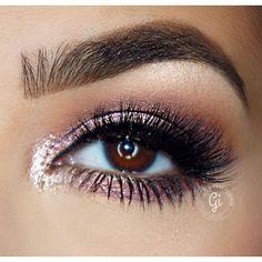 @giannafiorenze glams on with our NEW #tarteist #lashpaint! #tartecosmetics #eyelovetarte #eyeliner #tarteistry