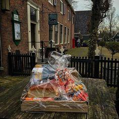 Een lekker pakket vol Zaanse #streekproducten voor de winnaar van #Stampions aan de Zaan 2015 #SADZ15