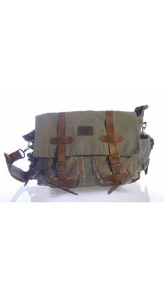 Polished Smoked Grinding, waterproof and high-quality materials, with robust Can be used for travel and sports activities, Large transport volume, Zippered compact travel bag Our products are produced.