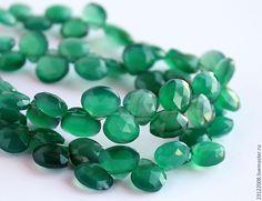 Купить ХРИЗОПРАЗ, КАПЛЯ, ОГРАНКА. - ( ПОЛЬША) - зеленый, хризопраз, хризопраз натуральный, натуральные камни